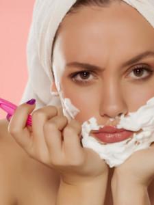 Как удалить нежелательные волоски на лице?