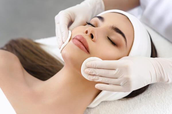 аппаратные процедуры для сухой кожи