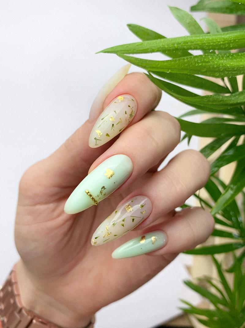 Круглые или овальные ногти